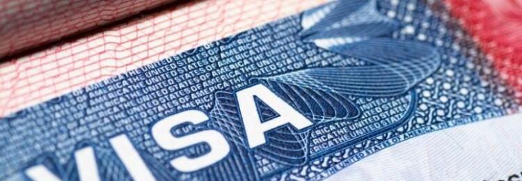 США ограничили выдачу рабочих виз