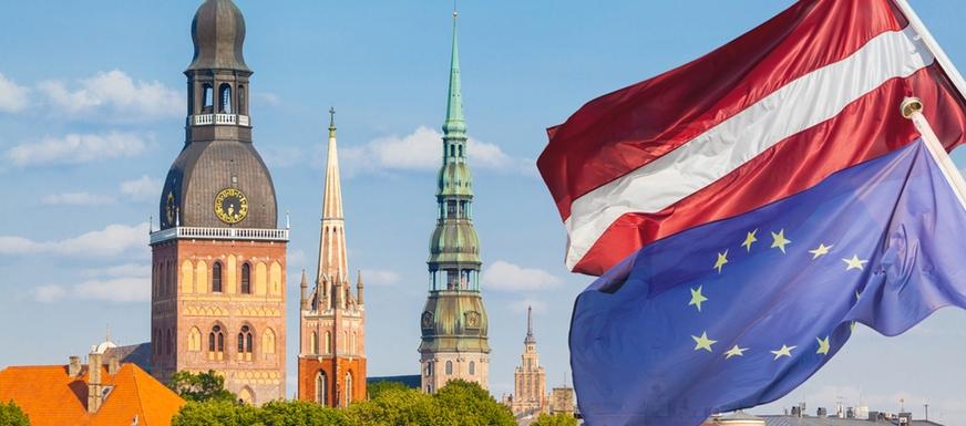 Латвия и флаги