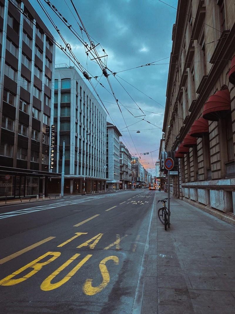 Пустые улицы Женевы. Фото: Софья Дмитриева